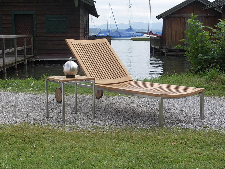 Edelstahl-Möbel